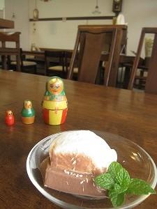 石垣島のカフェ&カレー「トラベラーズカフェ朔」のチョコとココナツのプリン