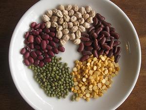 石垣島のランチなら「トラベラーズカフェ朔」のいろいろ豆のココナツぜんざいの5種の豆